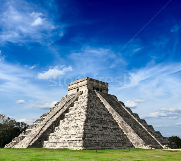Mayan pyramid in Chichen-Itza, Mexico Stock photo © dmitry_rukhlenko