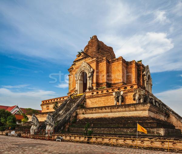 Tailândia budista templo asiático antigo thai Foto stock © dmitry_rukhlenko