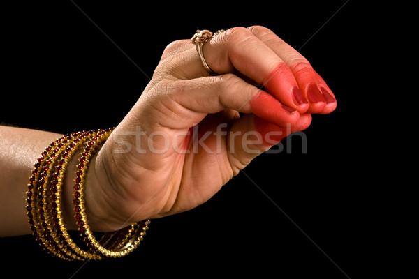 Indian dans vrouw hand tonen Stockfoto © dmitry_rukhlenko