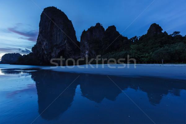 Coucher du soleil plage krabi Thaïlande tropicales vacances Photo stock © dmitry_rukhlenko
