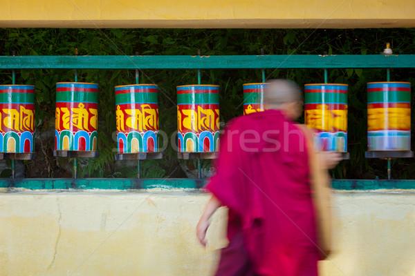 僧侶 祈り ホイール 周りに 複雑な ストックフォト © dmitry_rukhlenko
