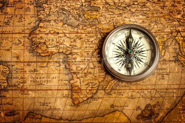 Oude vintage kompas oude kaart retro Stockfoto © dmitry_rukhlenko