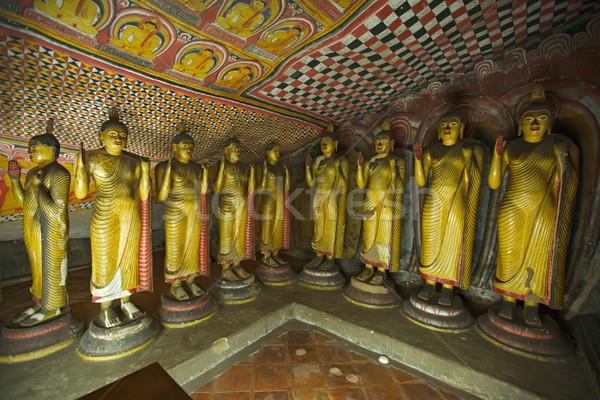 Starożytnych Buddy zdjęcia rock świątyni Sri Lanka Zdjęcia stock © dmitry_rukhlenko