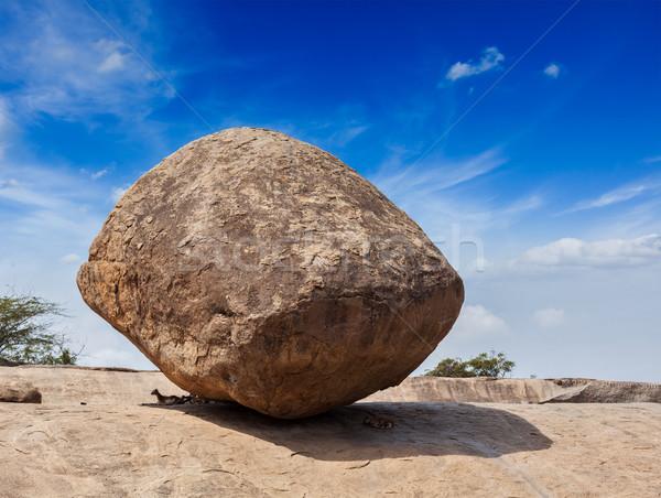 Equilíbrio gigante naturalismo rocha pedra Foto stock © dmitry_rukhlenko