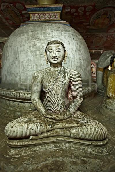 Anciens buddha image Rock temple Sri Lanka Photo stock © dmitry_rukhlenko