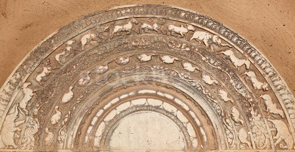 Eski giriş budist Sri Lanka taş Buda Stok fotoğraf © dmitry_rukhlenko