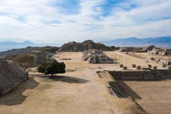 Antigua ruinas meseta México montana piedra Foto stock © dmitry_rukhlenko