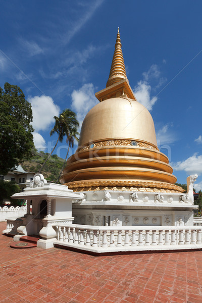 Budista dourado templo Sri Lanka Foto stock © dmitry_rukhlenko