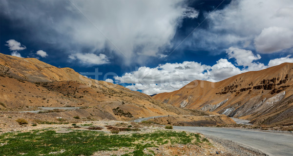 Weg indian himalayas landschap berg snelweg Stockfoto © dmitry_rukhlenko