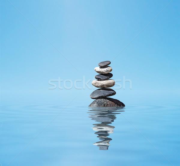 Zen сбалансированный камней медитации воды Сток-фото © dmitry_rukhlenko