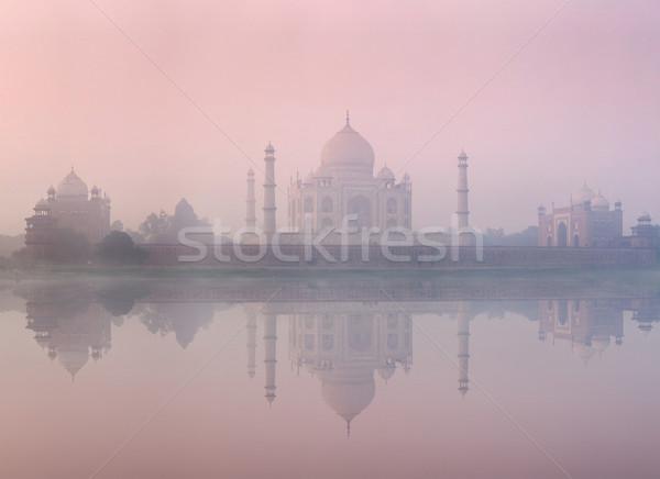Taj Mahal sunrise coucher du soleil Inde réflexion rivière Photo stock © dmitry_rukhlenko