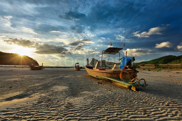 Stok fotoğraf: Uzun · kuyruk · tekne · plaj · gün · batımı · güneş