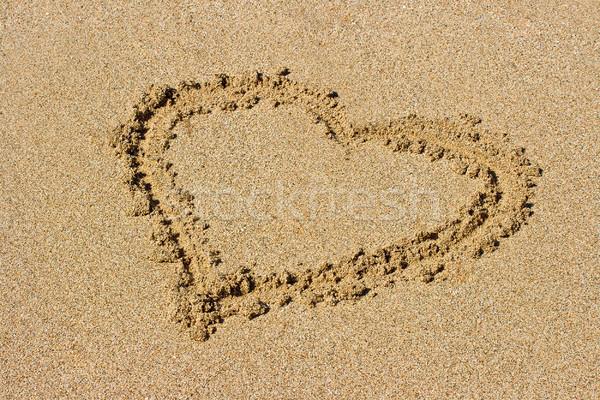 Coração areia areia da praia sol fundo Foto stock © dmitry_rukhlenko