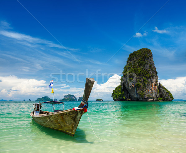 Longtemps queue bateau plage Thaïlande plage tropicale Photo stock © dmitry_rukhlenko