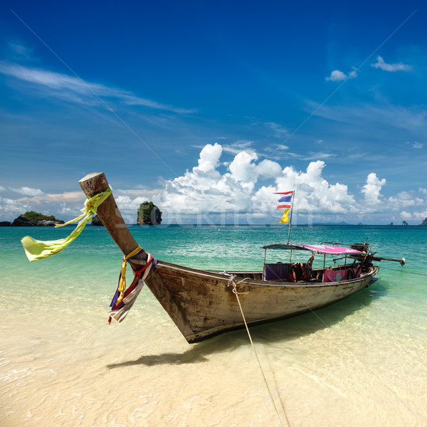 Largo cola barco playa Tailandia playa tropical Foto stock © dmitry_rukhlenko