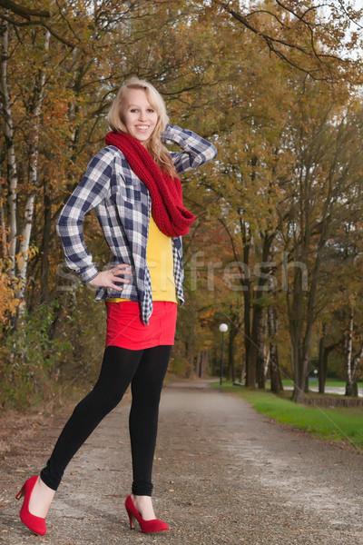 Moda adolescente vermelho adolescente menina outono Foto stock © DNF-Style