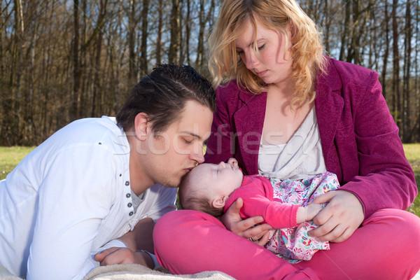 Daddy zoenen jonge familie mooie Stockfoto © DNF-Style