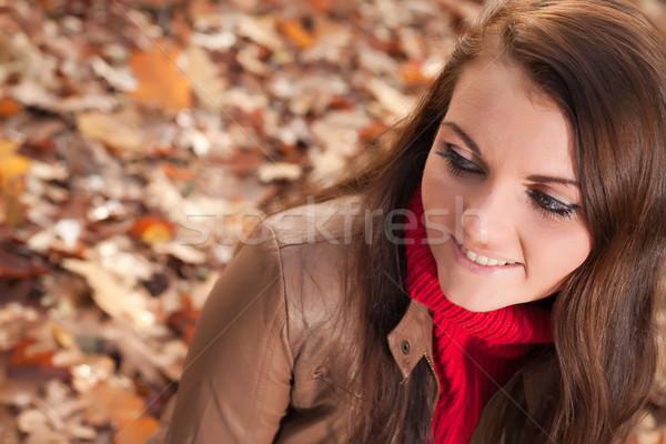 Kız oturma mutlu esmer güzel zaman Stok fotoğraf © DNF-Style
