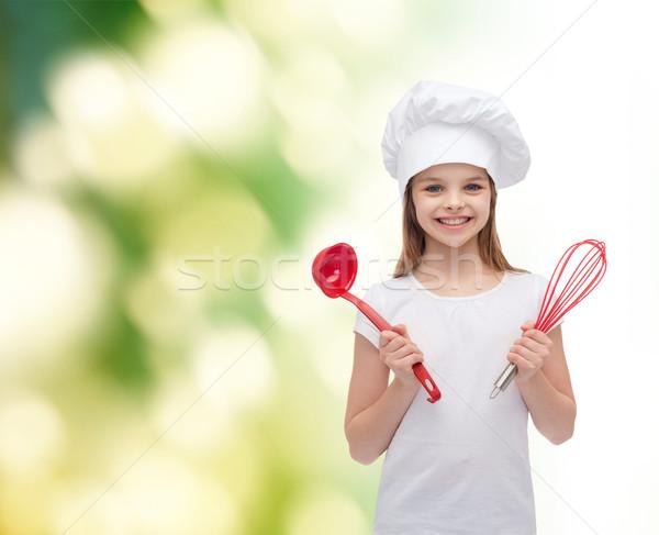 Uśmiechnięty dziewczyna gotować hat chochla Zdjęcia stock © dolgachov