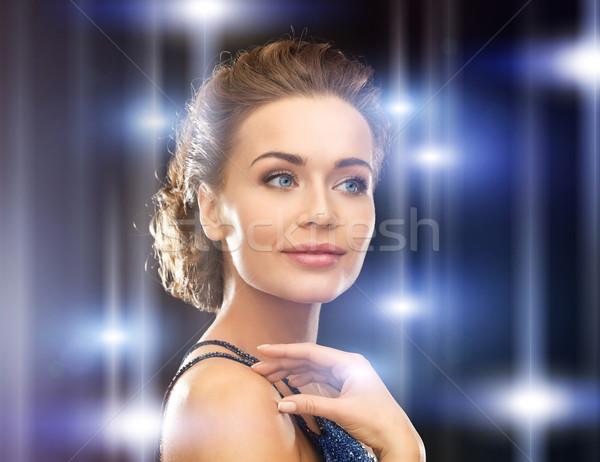 Mulher vestido de noite bela mulher cidade luz Foto stock © dolgachov