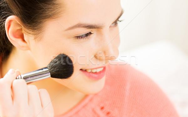 Boldog nő sminkecset szépség smink kozmetika Stock fotó © dolgachov