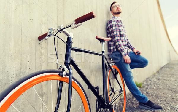 Sabit dişli bisiklet adam Stok fotoğraf © dolgachov