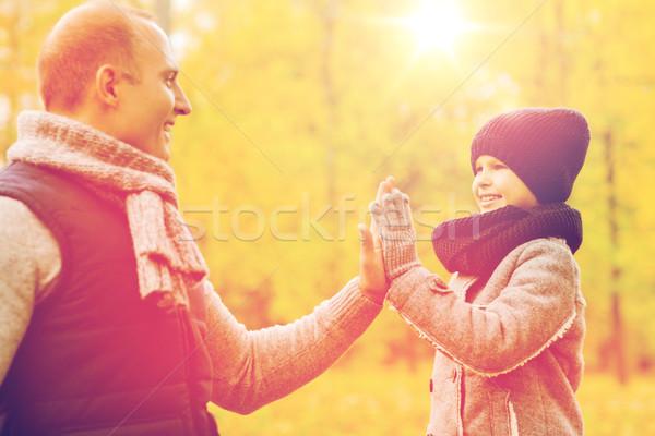 Сток-фото: счастливым · отцом · сына · high · five · парка · семьи