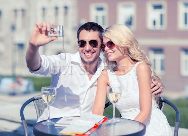 Pár elvesz fotó kávézó nyár ünnepek Stock fotó © dolgachov