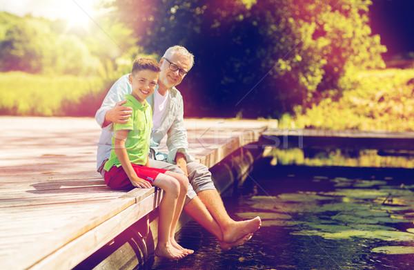祖父 孫 座って 川 家族 世代 ストックフォト © dolgachov