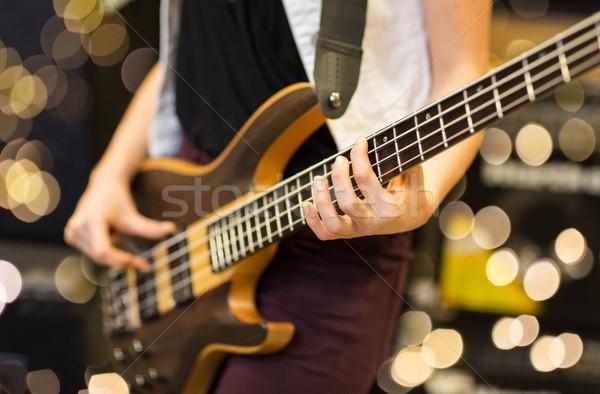 Közelkép zenész gitár zene stúdió hangszerek Stock fotó © dolgachov