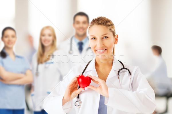 Femminile medico cuore sanitaria medici salute Foto d'archivio © dolgachov
