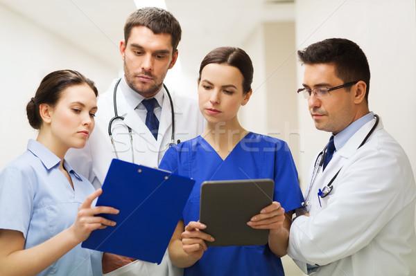 Ziekenhuis kliniek mensen gezondheidszorg Stockfoto © dolgachov