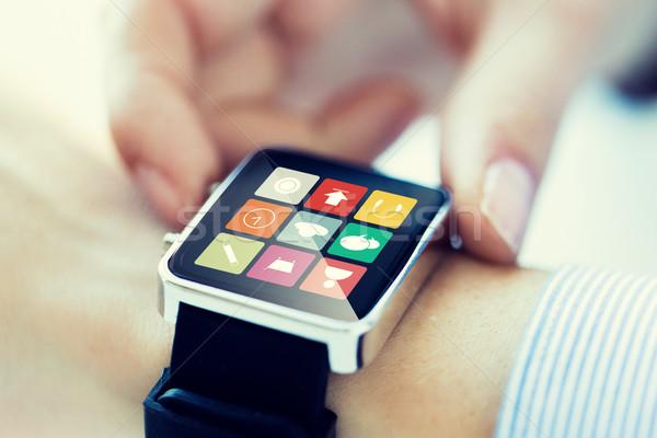 Közelkép kezek okos óra alkalmazás üzlet Stock fotó © dolgachov