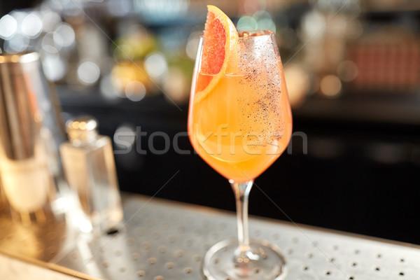 üveg grapefruit koktél bár alkohol italok Stock fotó © dolgachov