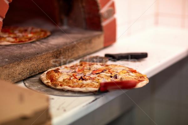 Pizza fırın pizzacı gıda Stok fotoğraf © dolgachov