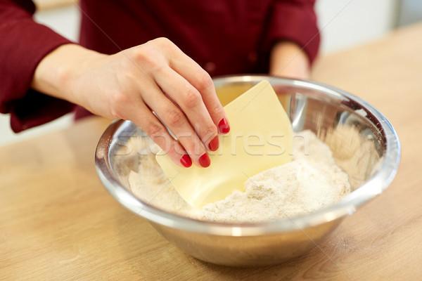 Chef harina tazón cocina alimentos Foto stock © dolgachov