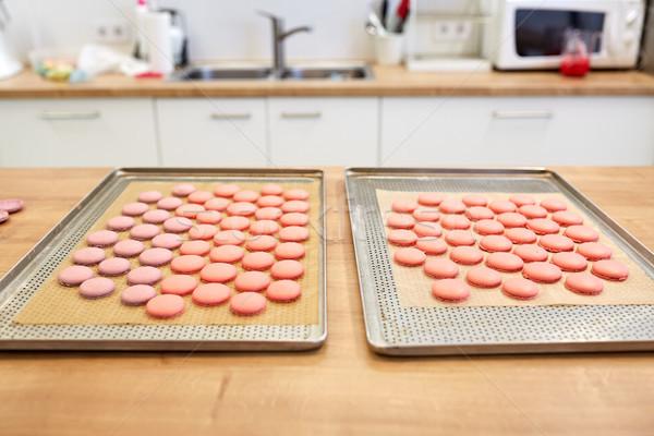 Macarons oven banketbakkerij koken bakkerij Stockfoto © dolgachov