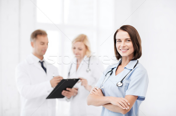 Jóvenes femenino médico estetoscopio salud médicos Foto stock © dolgachov