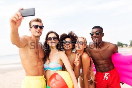 Foto d'archivio: Gruppo · sorridere · donne · spiaggia