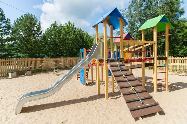 Escalade cadre slide aire de jeux été enfance Photo stock © dolgachov