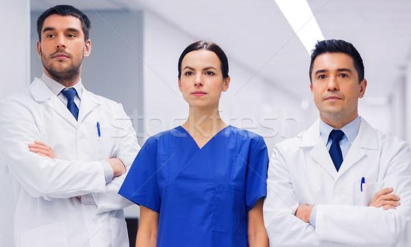Groupe médecins hôpital clinique profession personnes Photo stock © dolgachov