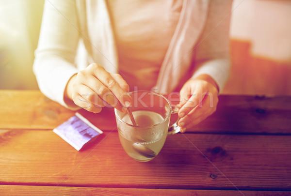 Kobieta lek kubek łyżka opieki zdrowotnej muzyka Zdjęcia stock © dolgachov