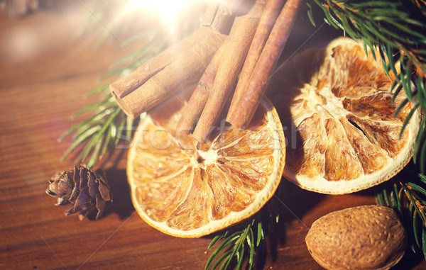 Stock fotó: Karácsony · fenyő · ág · fahéj · aszalt · narancs
