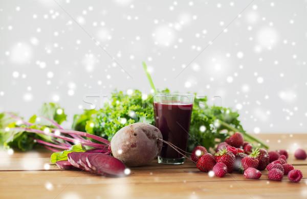 üveg cékla dzsúz gyümölcsök zöldségek egészséges étkezés Stock fotó © dolgachov