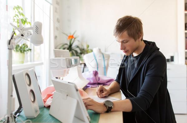 Divat designer táblagép dolgozik stúdió emberek Stock fotó © dolgachov