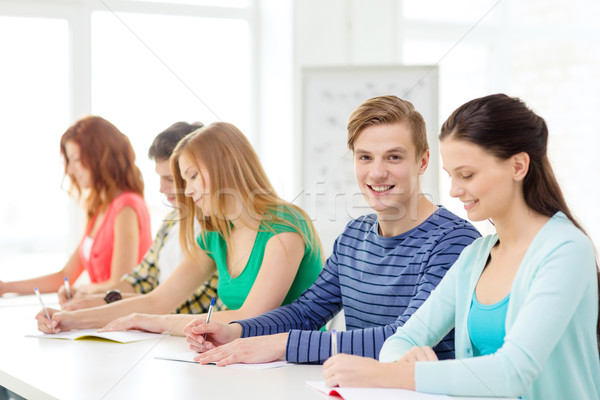 Sorridere studenti libri di testo scuola istruzione cinque Foto d'archivio © dolgachov
