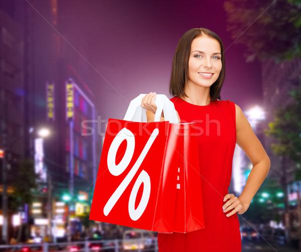 Stock fotó: Fiatal · nő · ruha · piros · bevásárlótáskák · emberek · ajándékok