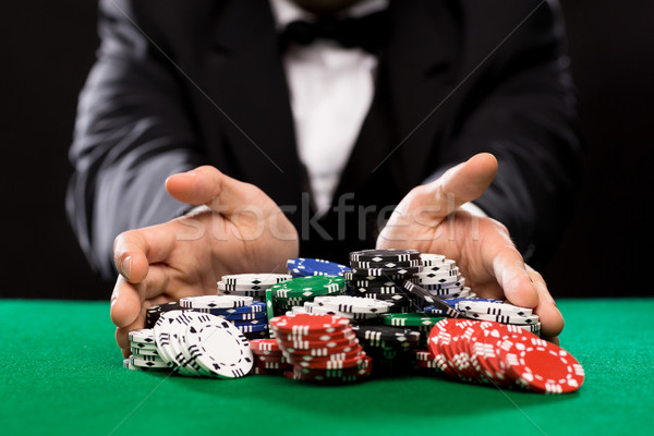 Poker joueur puces casino table jeux Photo stock © dolgachov