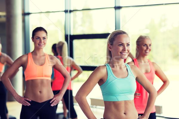 группа женщины спортзал фитнес спорт Сток-фото © dolgachov