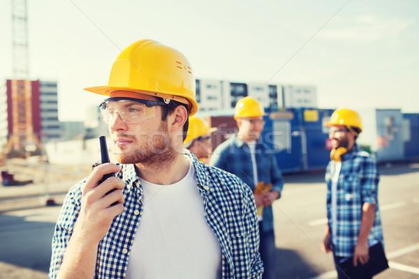 Groep bouwers radio business gebouw teamwerk Stockfoto © dolgachov